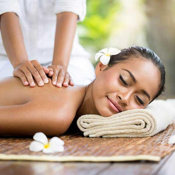 Se mettre entre parenthèses en se plongeant dans le calme ressourçant d'un massage de bien-être